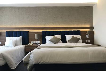 هتل سفیدکنار